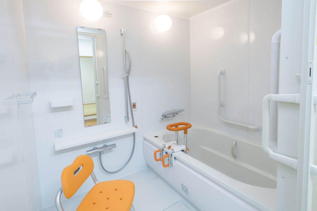 Bild eines barrierefreien Badezimmers